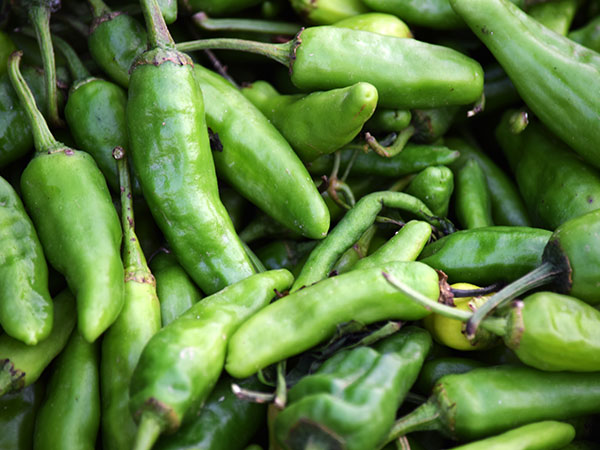 12-spices-nepali-cuisine-health-benefits-green-chillies